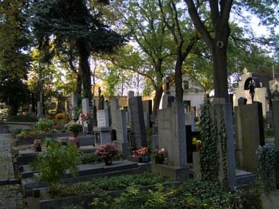 Prodloužená doba návštěvy hřbitova